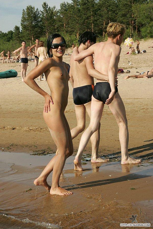 Russian Teen Angela Shows Off Her Beach Body - Fuqer Photo-1062
