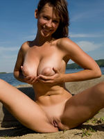 Young Girl Exposing Her Big Natural Boobs At The Beach