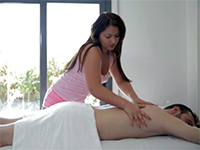 This Hottie Knows How To Give The Full Treatment Massage