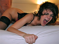 Amateur Girlfriend Screams Out Loud While Fucking In Hotel Room