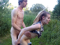 Horny German Couple Has Nice Quickie In The Field